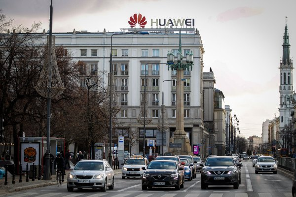 Huawei is shipping a lot more phones in spite of it all – TechCrunch